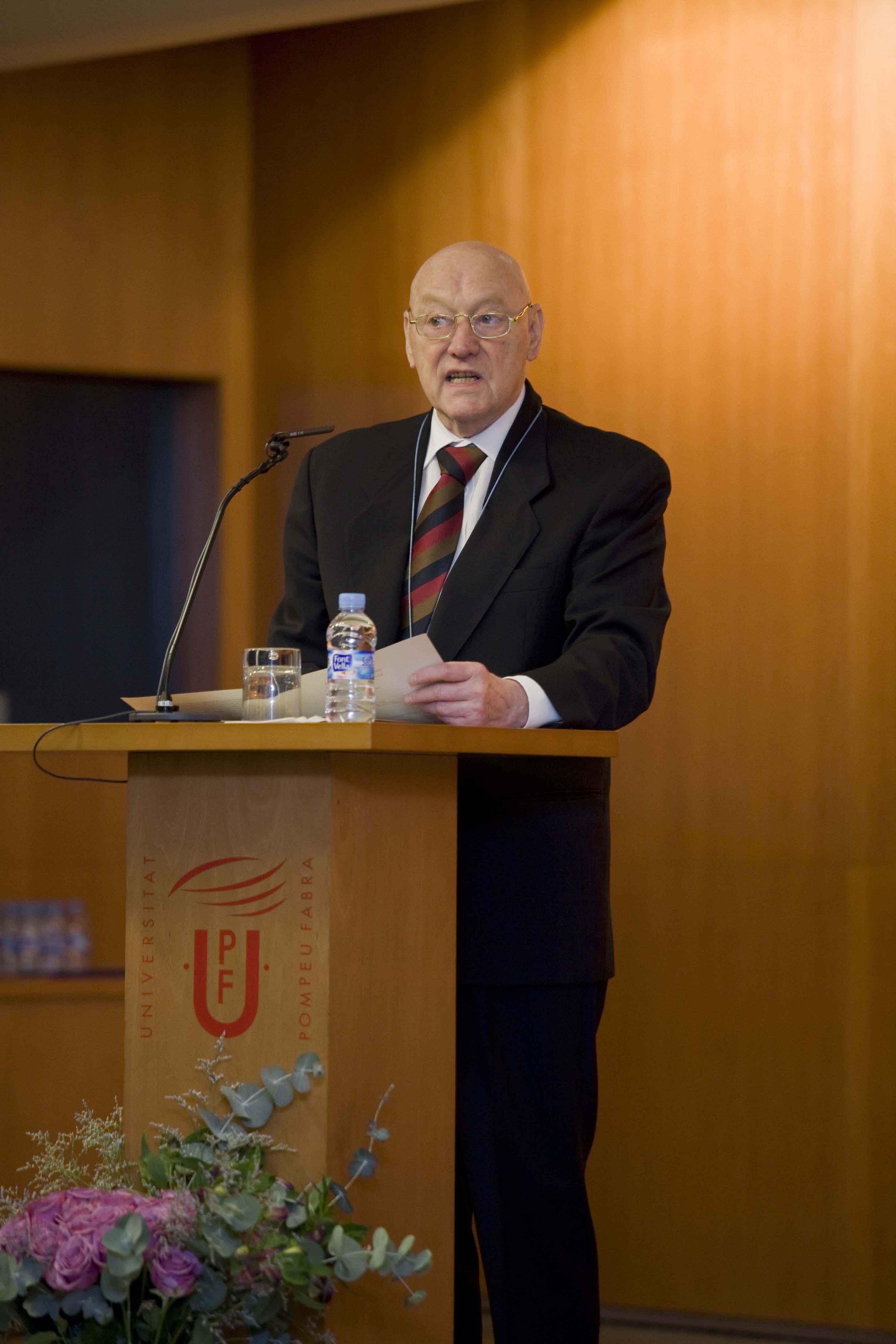 Alois M. Haas durant el seu discurs d'acceptació de l'honoris causa