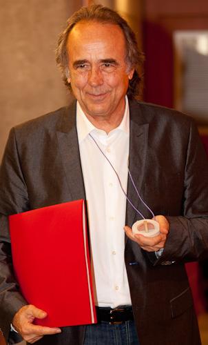 Joan Manuel Serrat, recent investit doctor honoris causa per la UPF