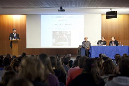 Josep Joan Moreso pronunciant el parlament que ha tancat l'acte